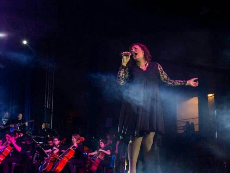 voz femenina orquesta